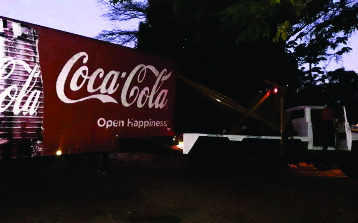Quicky Rescue - Towing coca - cola Delivery Truck